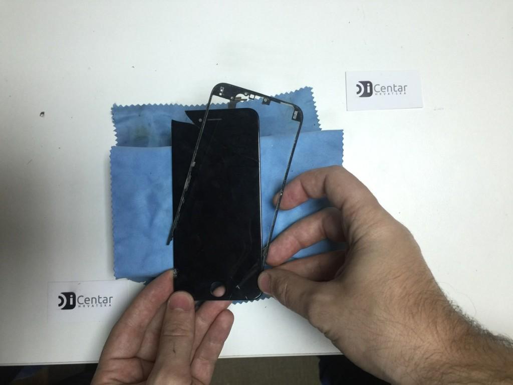 skidanje plasticnog okvira iPhone ekrana